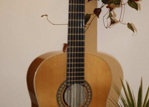 גיטרה ALFREDO GONZALEZ דגם - PRIMAVERA