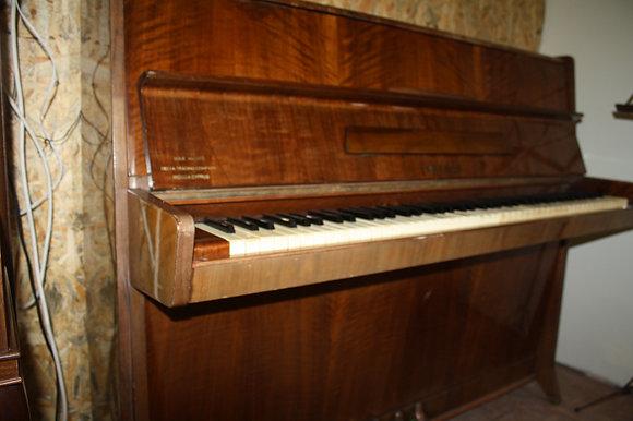 פסנתר PETROF
