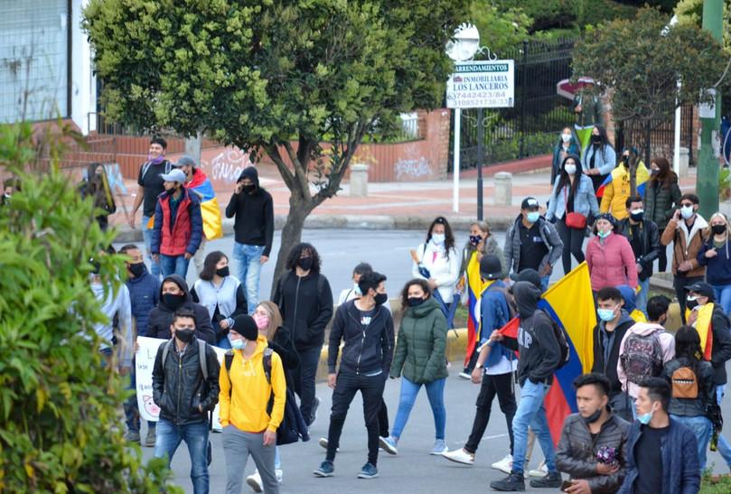 Este miércoles, 05 de mayo, desde las 2:00 p. m., ciudadanos de Tunja se reunieron para marchar por la Avenida Norte de la capital del departamento de Boyacá.
