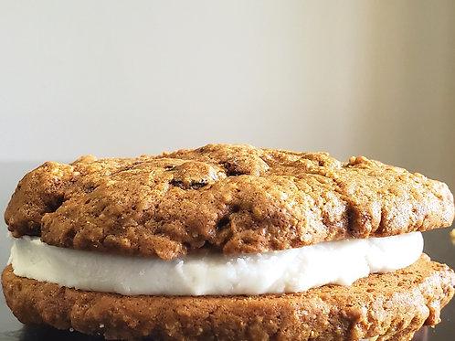 Deluxe Oatmeal Creme Sandwich
