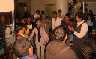 Embaixadora Natalia with students-.jpg