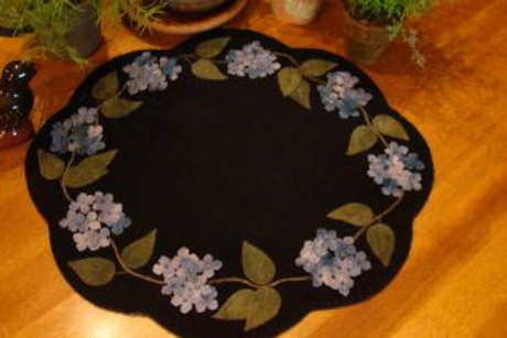 PRI 944 Blue Hydrangea Table Mat