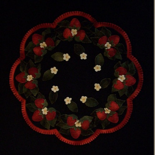 CP112 The Strawberry Patch Candle Mat