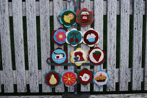 UGM202 - Vintage Kitchen Ornaments