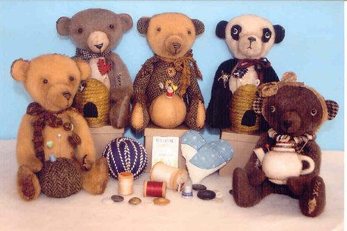 HHF289 - Tattered Teddy Bear Pin Keeps