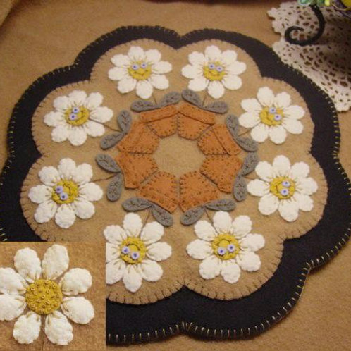 PLP112 -  Delightful Daisies Candle Mat