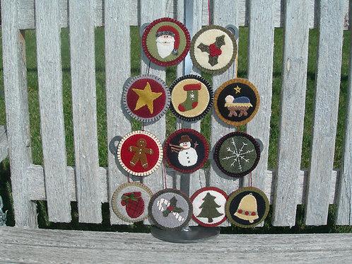 UGM115 - Christmas Ornaments