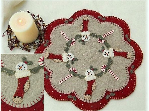 PLP127 - Christmas Stockings Candle Mat