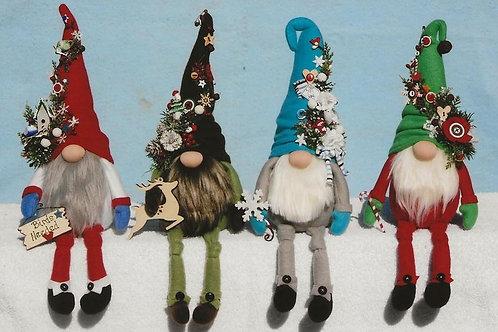 HHF518 Sew Charming Winter Gnomes