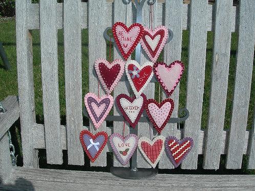 UGM502 - Valentine Ornaments