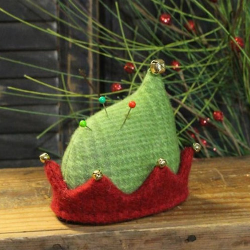 CWC639 - Elf Hat Pin Keep