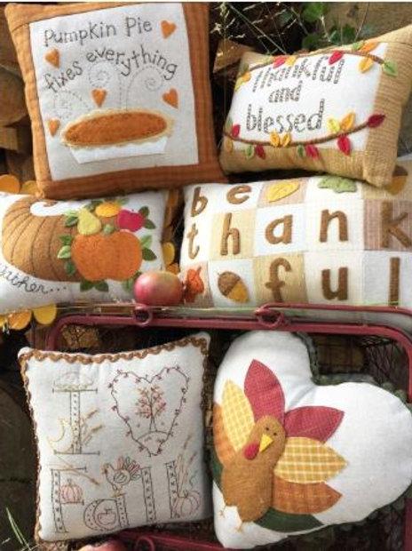 BR239 - Little Fall Pillows Pattern