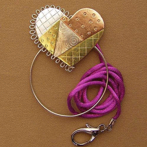 SS 0601pw Patchwork Heart Scissor Sitter