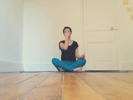 7 postures de yoga pour chasser le stress 🙏