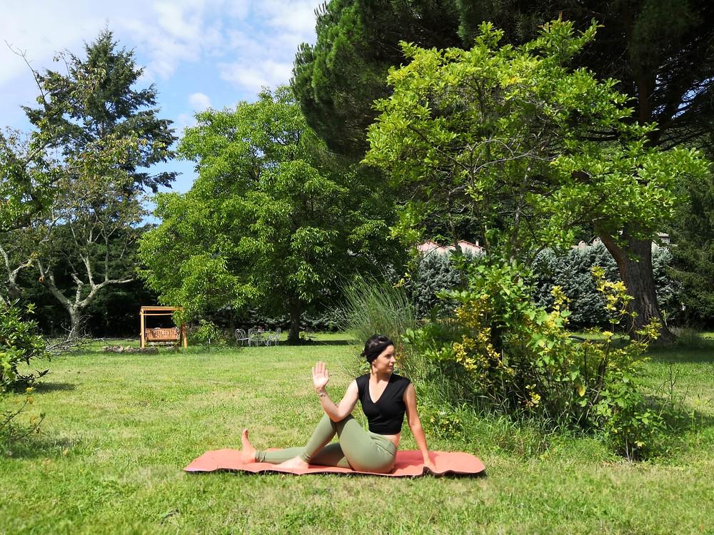 torsion assise - yoga avec pauline limoges