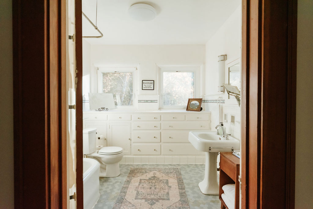 SecondFloorBathroom-9.jpg