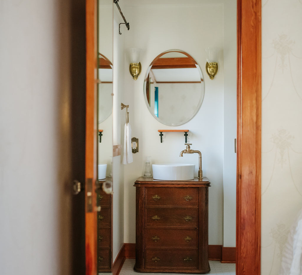 TwinBedRoom&Bath-27.jpg