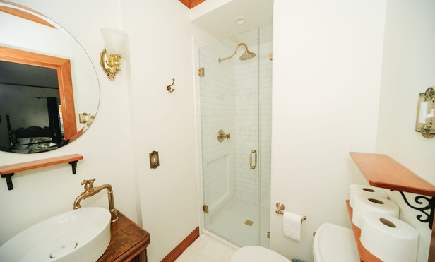 TwinBedRoom&Bath-36.jpg