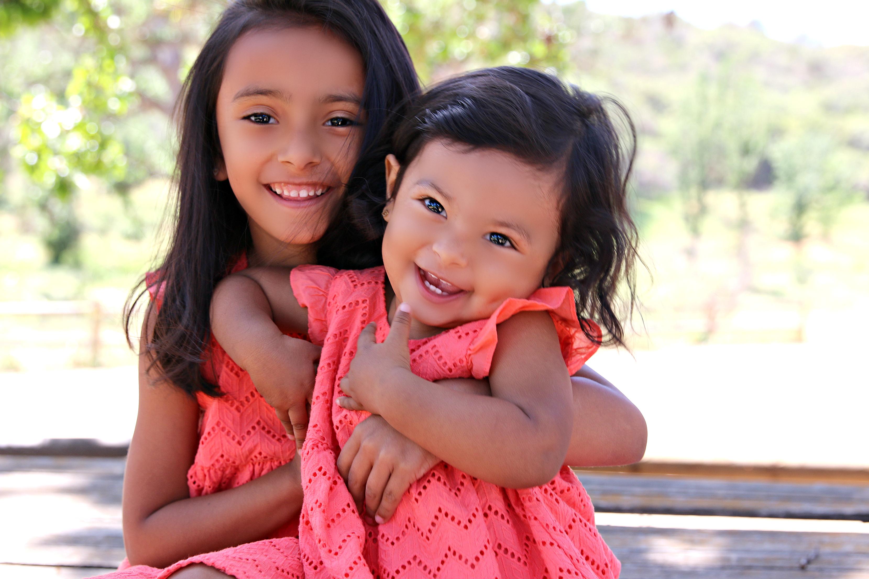 Sisters Sofia & Olivia IMG_0559