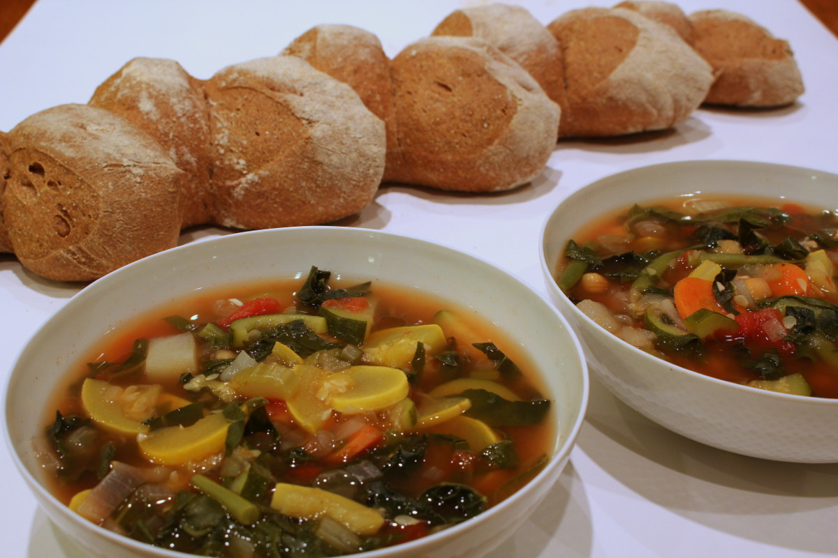 Minestrone with pain d'epi