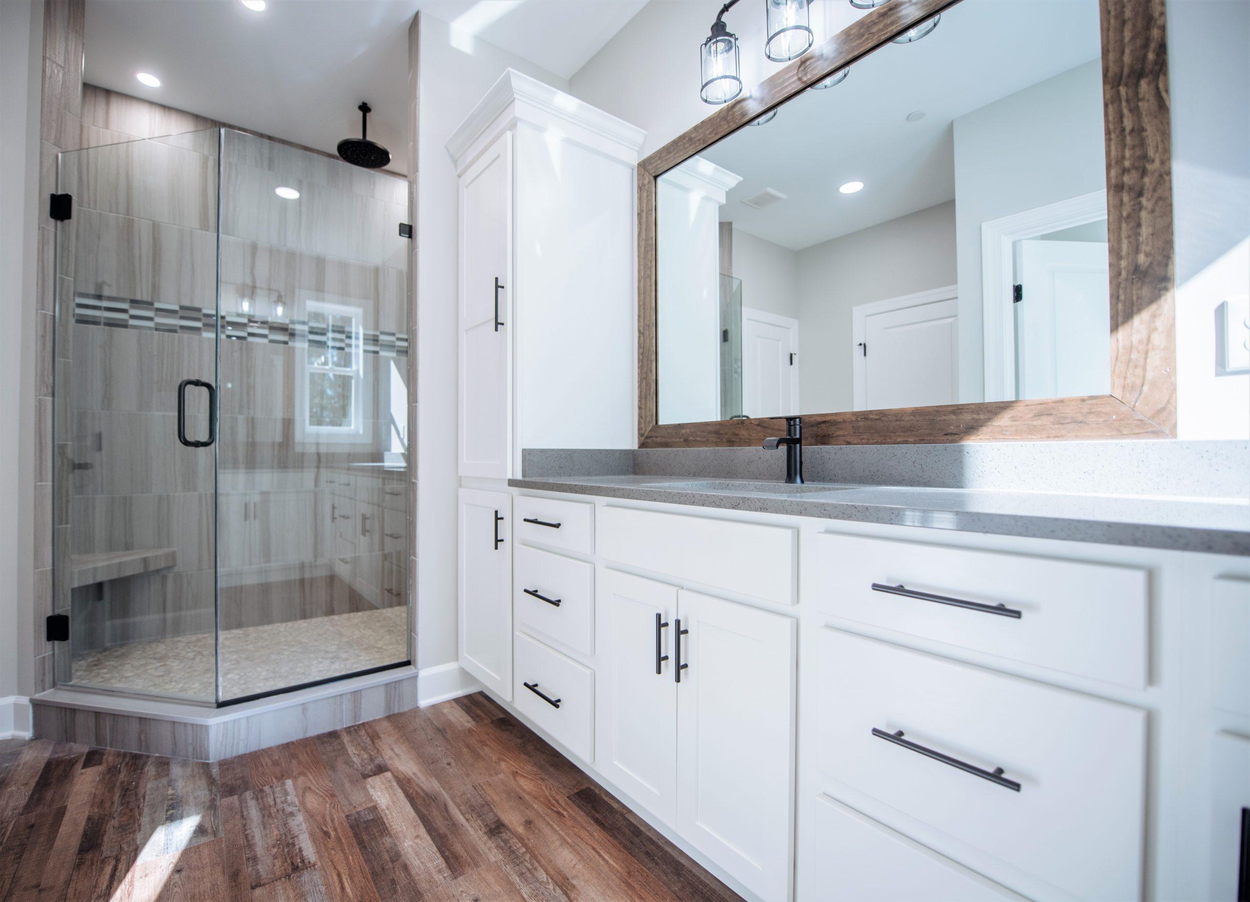 Live Oak - Finished Bathroom