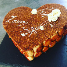 Pièce montée forme du cœur 💓 _#patisserie #piecemontee #sweets #パティスリー#ピエスモンテ#スイーツ