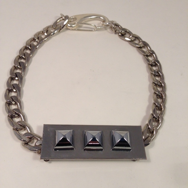 Studly necklace
