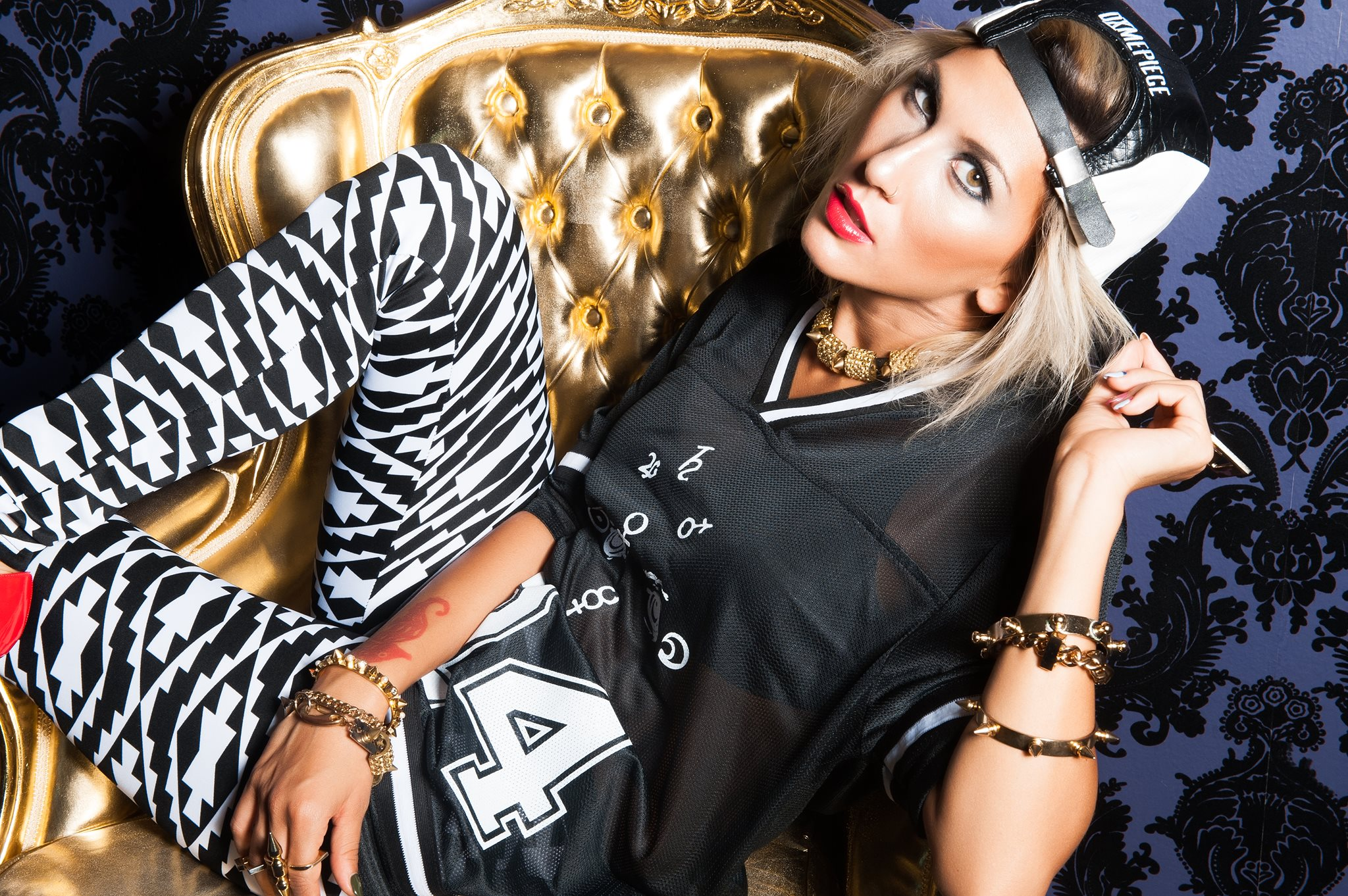 Sofi Toufa . Singer & DJ.