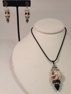 Skulduggery earrings & necklace