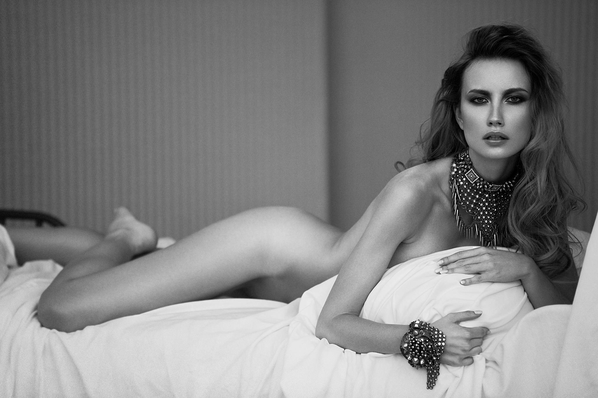 Guess model Ester Satorova.