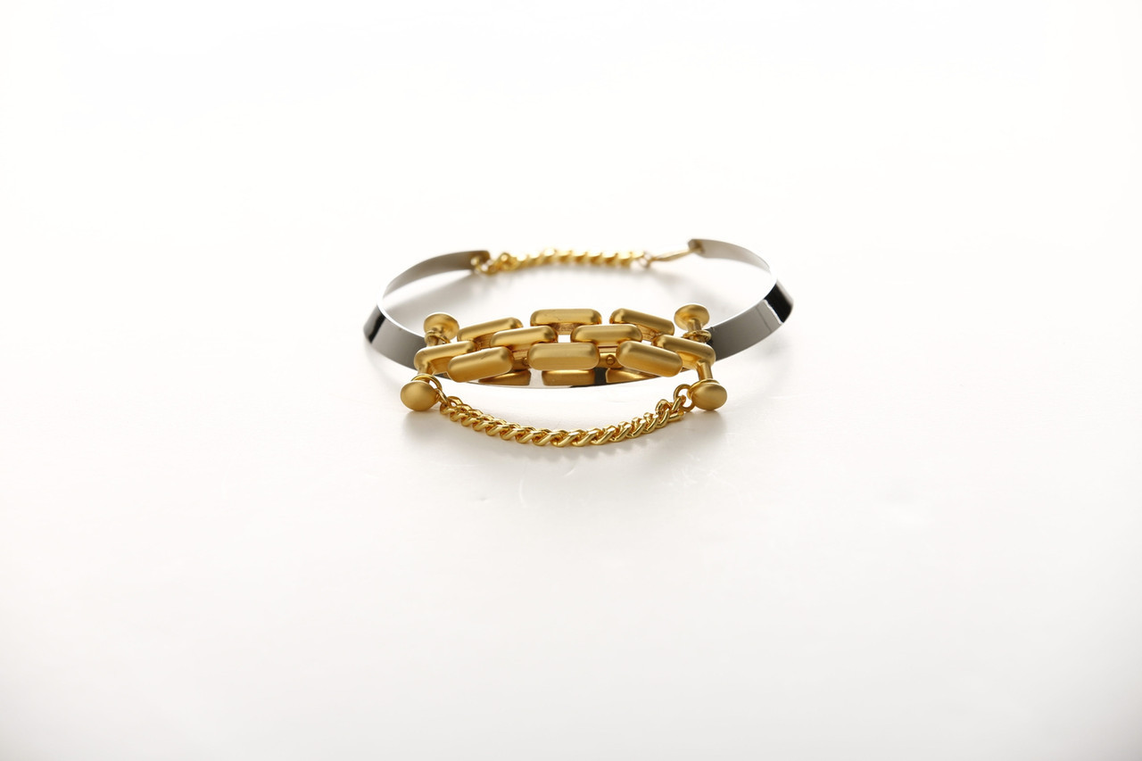 #0106. Linked In. Renaissence Gold