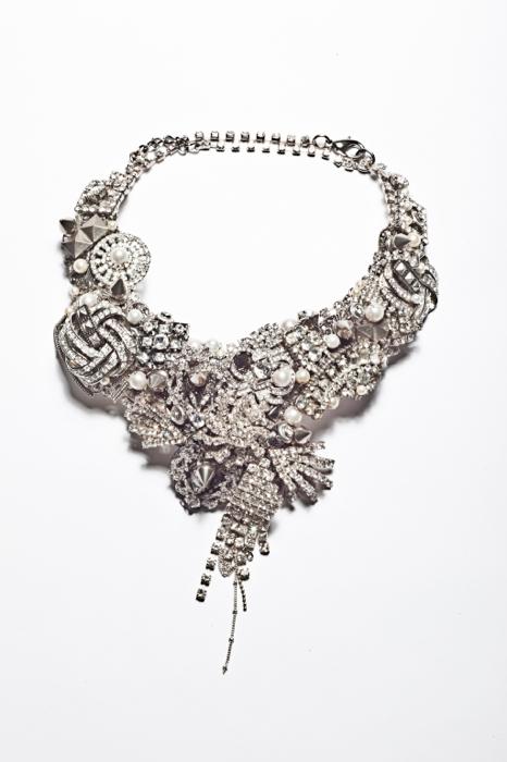 Metropolis Bib collar .NE-METB107.