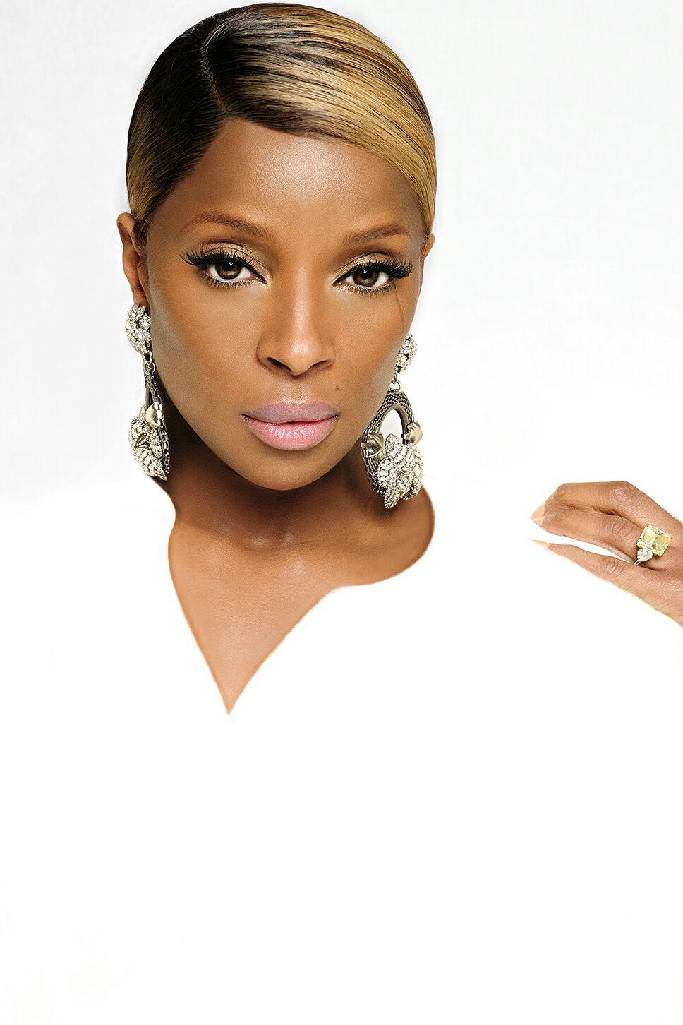 Mary J Blige. CD Cover