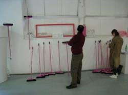 Installation, Du balai & Co