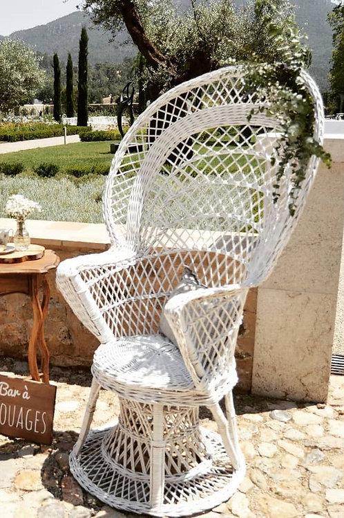 Les fauteuils Emmanuelle - Finition rotin blanc