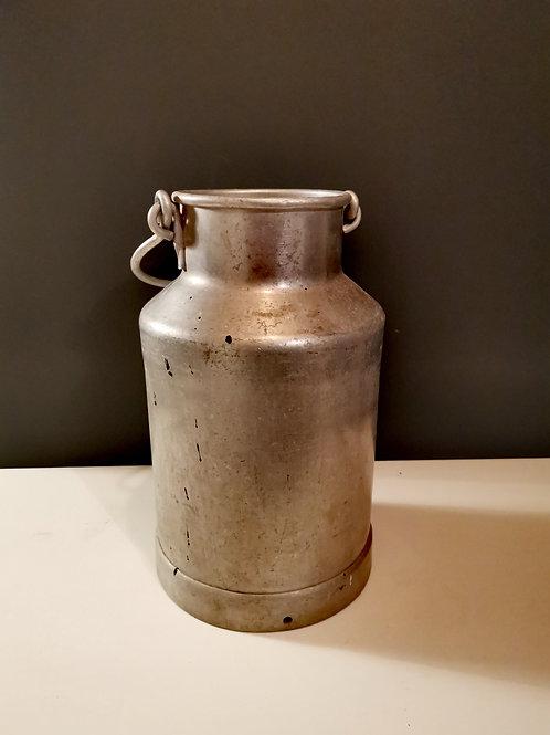 Le duo de pots à lait en zinc