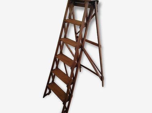 L' échelle vintage en bois