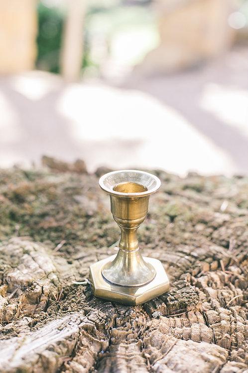 Le chandelier bas doré