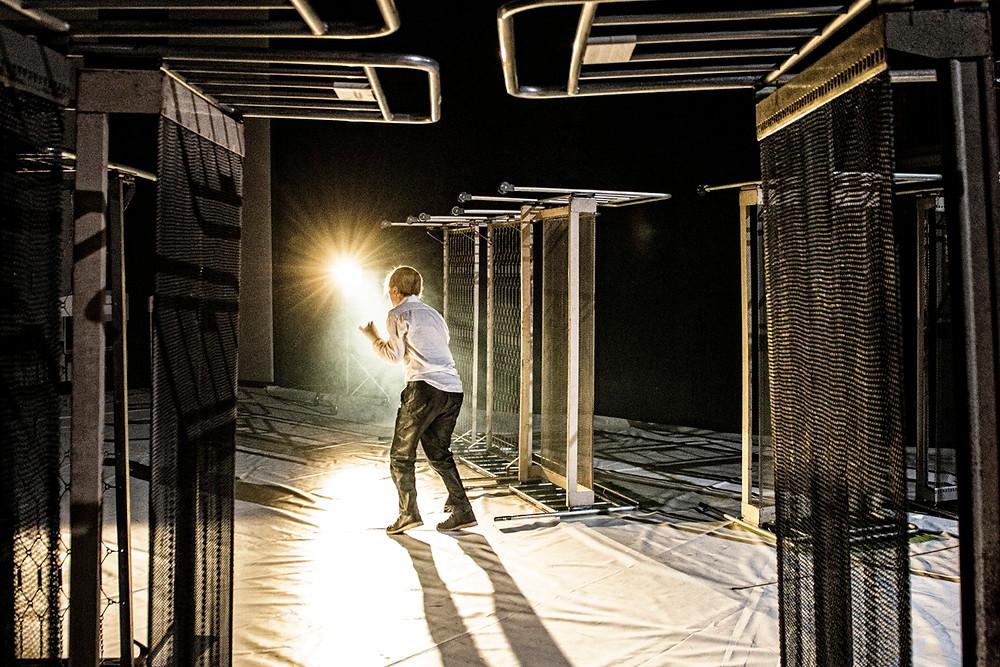 """Zetaesse, Diego Ferrante ha incontrato Massimo Sgorbani per discutere di teatro e della sua drammaturgia: """"Togliere di scena è qualcosa di molto concreto, non è un gioco di parole"""""""