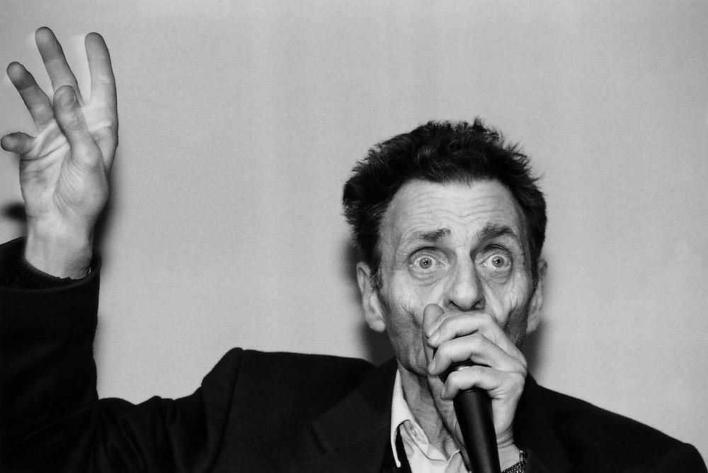 Zetaesse, Domenico Napolitano, Henri Chopin: Nel 1974 Henri Chopin ingoia una piccola sonda e registra i suoni del suo stomaco, realizzando La Digestion, l'esito più radicale a cui sia giunta la poesia sonora