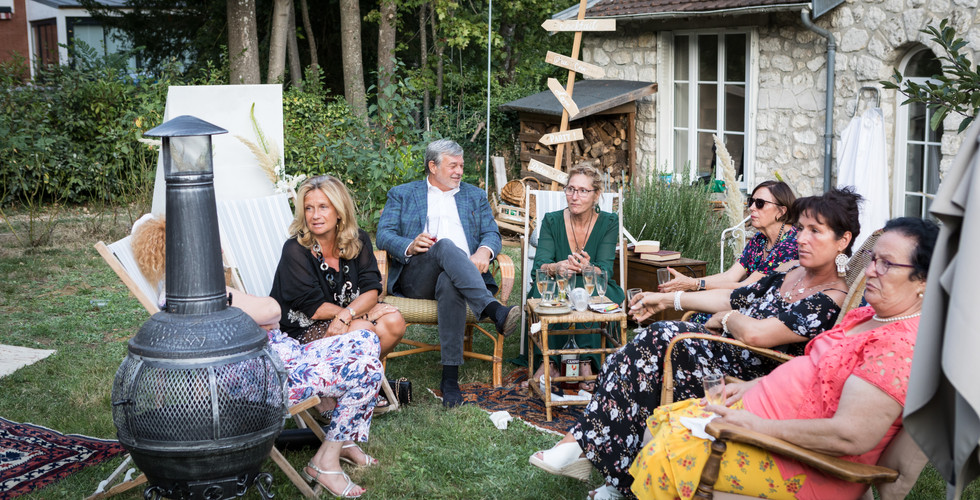 mariage dans un jardin.jpg