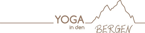 Yoga in den Bergen