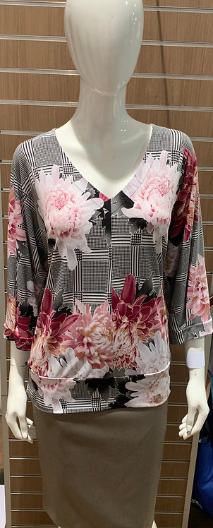 Plus Size Floral V-neck Top