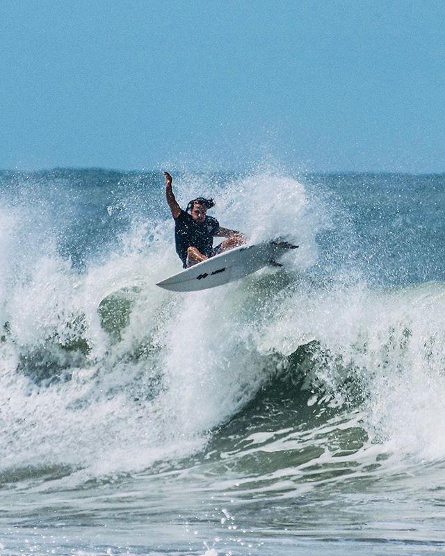 Quando até o acesso a praia e o surf tão