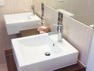 bathroom2jpg