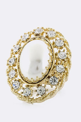 OVERSIZED PEARL CRYSTAL FRAME RING