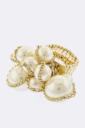 CHAINED PEARL CLUSTER RING