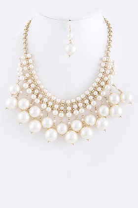 PEARL STACKED BIB NECKLACE SET