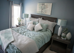 Newlywed Home Tour: Guest Bedroom