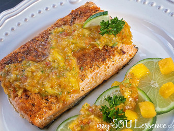 Whole30 Mango Salsa Salmon